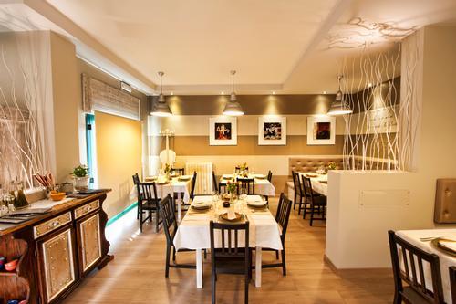 Ristorante l 39 angolino restaurant porto recanati - Tavolo matto porto potenza ...